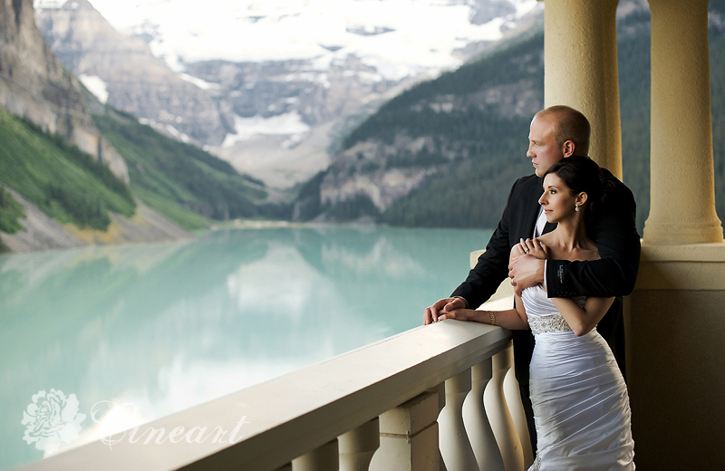 000090bestcalgaryweddingphotogrpaher2Emerald Lake, Banff, Lake Louise, Canmore Wedding Photographer